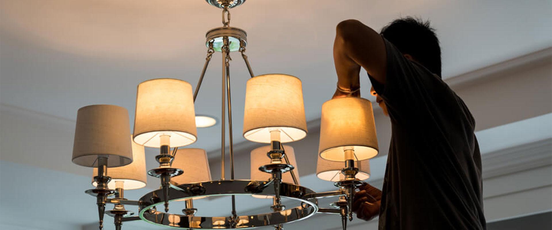chandelier-installation